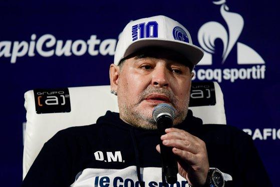"""Maradona nu crede că Messi îi poate egala performanţele: """"Este în declin"""""""