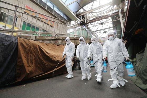 SUA anunţă primul deces provocat de coronavirus / În SUA sunt confirmate 66 de cazuri