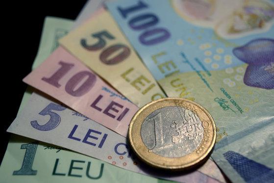 Românii vor să înveţe cum să câştige bani din pasiunea pentru călătorii, în contextul epidemiei de coronavirus