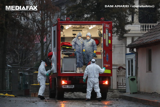 Un bărbat recent întors din Italia a fost transportat la Spitalul din Sibiu. Pacientul prezintă simptome suspecte