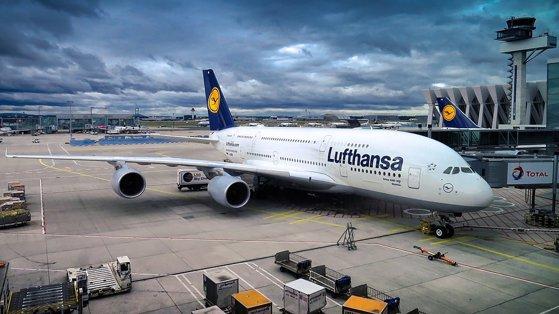 Cea mai mare companie aeriană germană va suspenda toate zborurile spre China şi Teheran până în luna aprilie