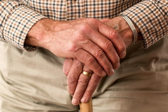 Un chinez de 101 ani s-a vindecat de coronavirus într-o săptămână