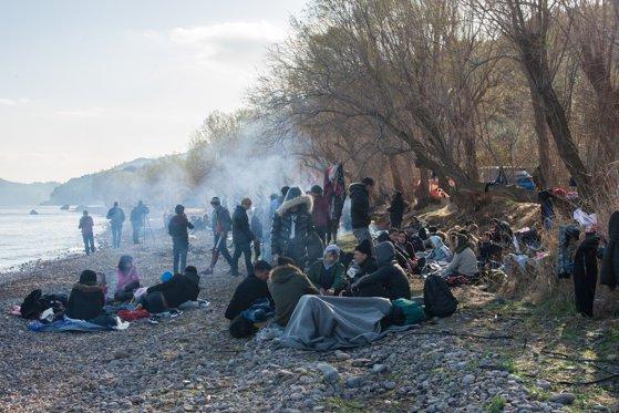 Liderii Uniunii Europene vor vizita graniţa dintre Grecia şi Turcia, acolo unde se află mii de refugiaţi
