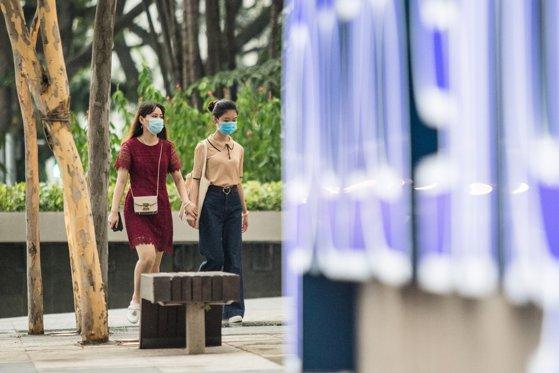 Singapore este statul model care a reuşit să ţină sub control COVID-19