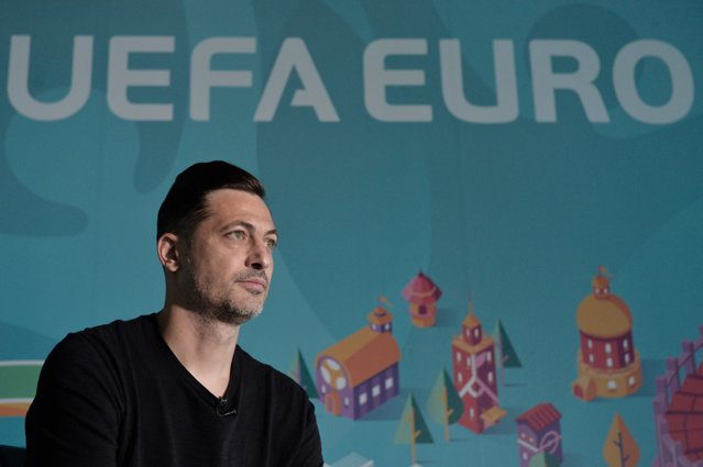 Rădoi a anunţat cu ce jucători atacă EURO. Mario Camora, pe listă
