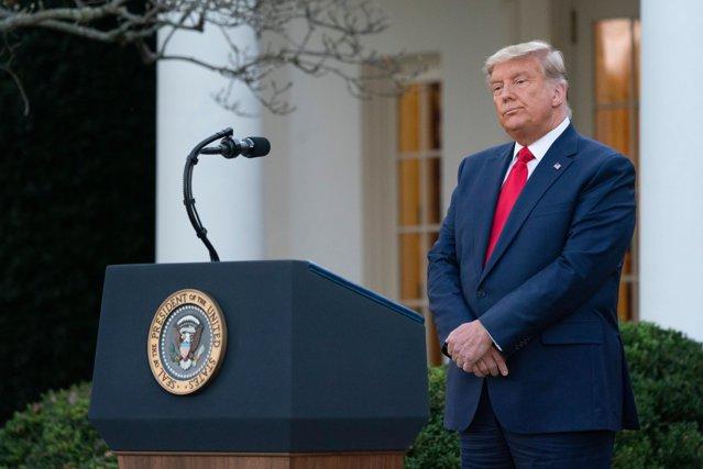 Donald Trump şi-a scurtat vacanţa în Florida şi a revenit brusc la Washington DC. Motivele din spatele deciziei