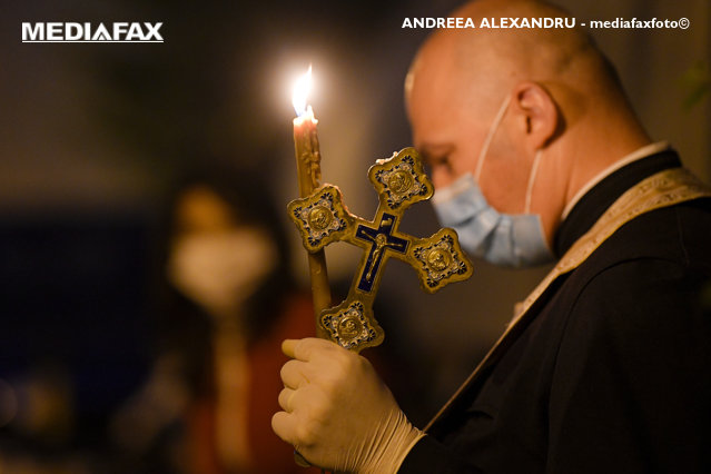 """""""Nu adunărilor pentru liturghii de Crăciun"""". Comisia Europeană recomandă înlocuirea slujbelor de Crăciun cu iniţiative online sau televizate"""