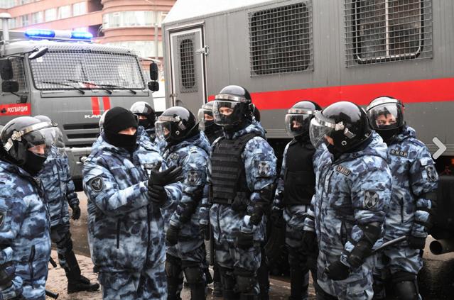 Un bărbat şi-a dat foc în centrul Moscovei. Incidentul a avut loc în timpul protestelor pro-Navalnîi