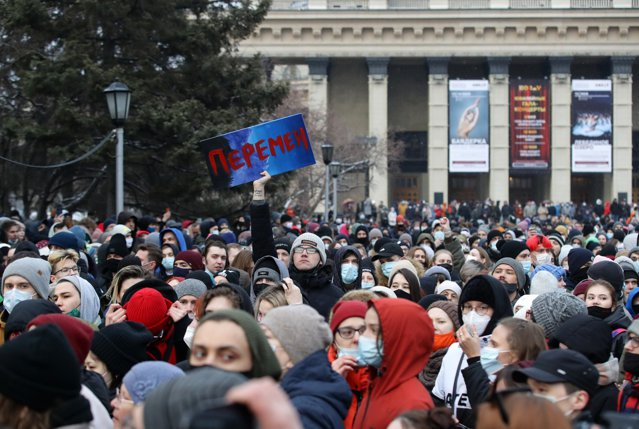 """Sute de protestatari reţinuţi în Rusia. Experţi independenţi cred că Aleksei Navalnîi este în stare """"gravă"""""""