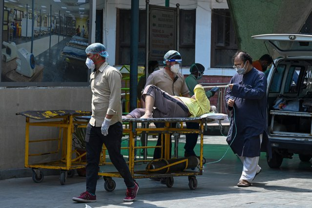 """India. Guvernul admite că o variantă """"dublu mutantă"""" a dus la creşterea cazurilor de Covid"""