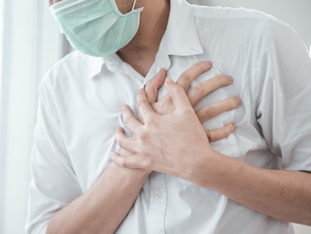 Miocardita după vaccinarea anti-COVID-19 la adolescenţi şi bărbaţi cu vârsta până în 30 de ani. Ce spune un medic cardiolog