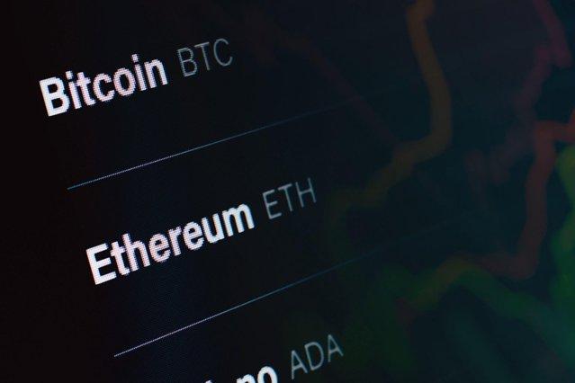 Ce s-a întâmplat cu Bitcoin şi Ethereum la trei zile după ce China a declarat tranzacţiile ilegale