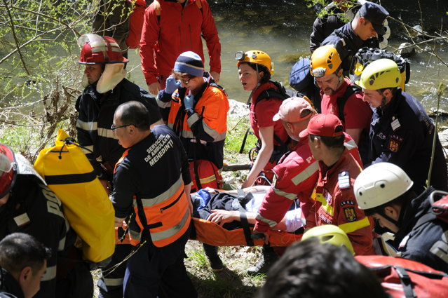 Dâmboviţa: Intervenţie de peste 3 ore a salvamontiştilor pentru salvarea unui turist cu hipotemie