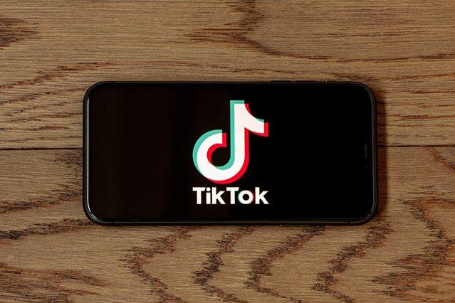 Cifra uluitoare de videoclipuri de pe TikTok vizionate în lume într-un singur minut