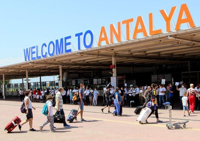 Turiştii români au dat năvală în Turcia, în 2021. Cifrele ne situează în Top 10